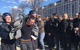 Протесты в Москве: награда для пострадавшего полицейского возмутила соцсети