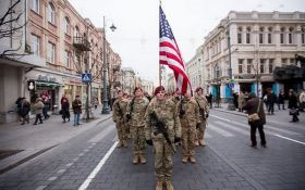 Американские танки в соседней стране явно обеспокоили людей Путина: опубликовано видео