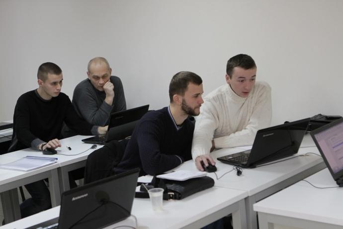 У Дніпропетровську учасники АТО успішно закінчили IT-курси