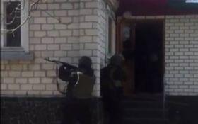 Под Киевом освободили бизнесмена, которого бандиты держали в заложниках