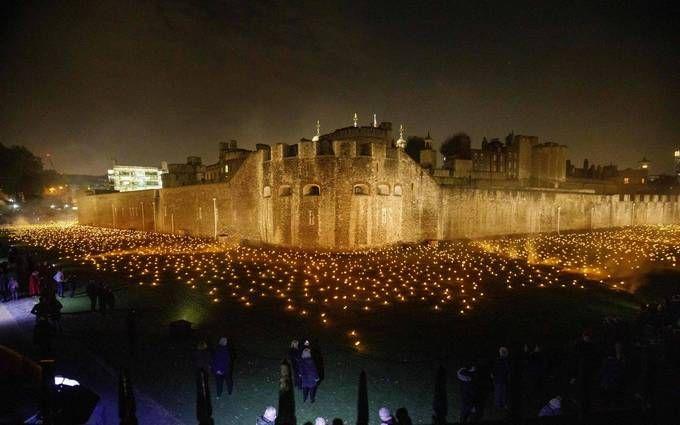 В честь окончания Первой мировой в Лондоне зажгли тысячи огней: впечатляющие фото и видео