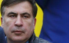 Справа проти Саакашвілі: у Києві відбулися зіткнення, політика оголосили в розшук