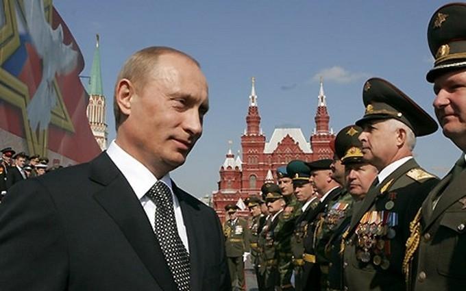 Разведка показала фото российских командиров боевиков Донбасса
