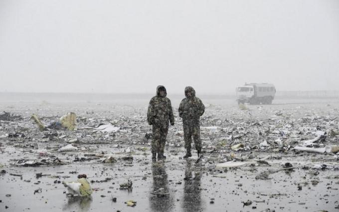 Появилось новое видео момента катастрофы самолета в России