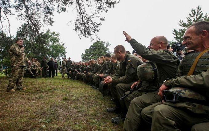 Порошенко озвучив вражаюче число терактів, яким запобігли в Україні