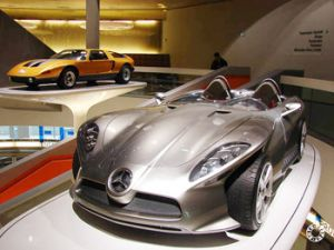 Mercedes готовит конкурента Bugatti Veyron