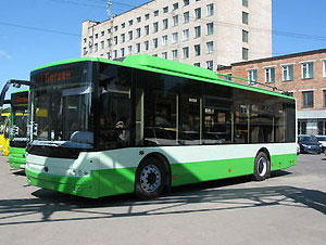 "Украинский ЛуАЗ представил автобус и троллейбус ""Богдан"""