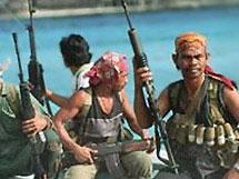 Сомалийские пираты потребовали миллион долларов за захваченных моряков