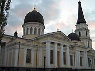 В одесском православном храме установили самый большой на Украине колокол