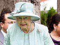 Королева Британии зажигала под мелодию АББА