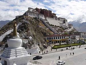 Тибет открыли для иностранных туристов