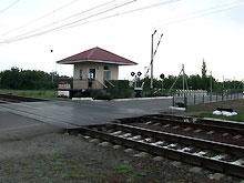 На Донеччине легковой автомобиль столкнулся с грузовым поездом. Погибли 4 человека