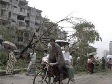 Количество жертв урагана Наргиз может превышать 100 тысяч человек