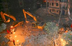 В Китае после землетрясения в плотине появились очень опасные трещины