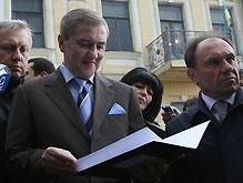 Черновецкий потребовал у Тимошенко срочно удвоить зарплаты
