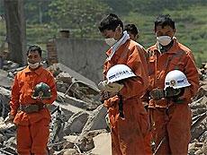 Число погибших при землетрясении в Китае возросло до 34 тысяч