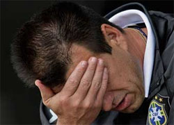 Главный тренер сборной Бразилии перенес три операции за один день