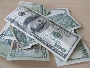 Банкир: НБУ будет присутствовать на рынке пока доллар не опуститься до 7,5 грн
