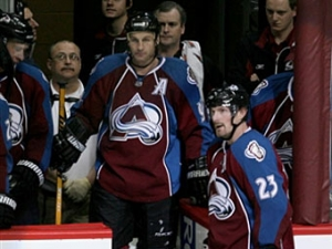 Два игрока клуба НХЛ забросили 300-е шайбы в одном матче