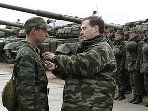 Медведев запретил поставки оружия в Грузию