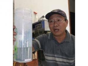 Индонезийца посадили в тюрьму за обещания превратить воду в топливо
