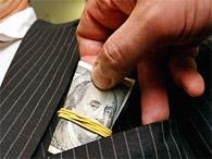 В Луцке чиновники горсовета попались на взятке в 100 тыс. долларов