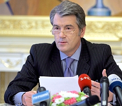 Сегодня Ющенко заслушает Черновецкого