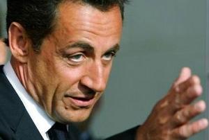 Президент Франции получил очередную анонимку с угрозами