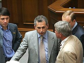 Регионалы обещают блокировать трибуну ВР до отставки правительства