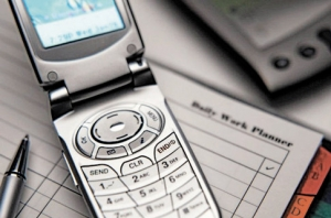 Нелегальным мобильным телефонам продлили жизнь до 30 июля