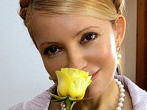 Тимошенко возложила цветы к памятнику Гоголю. Вечером она посетит балет
