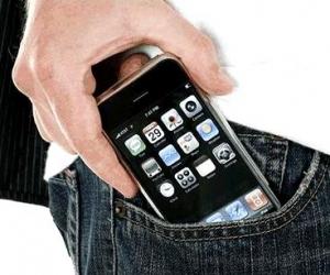 В Украину без разрешения можно ввезти два мобильных телефона
