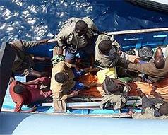 На борту захваченного пиратами сухогруза находится украинец