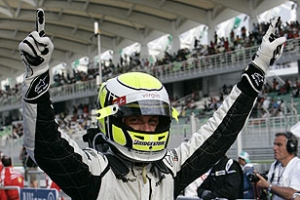 Формула-1: Баттон побеждает на Гран-при Бахрейна