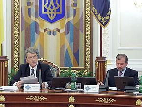 Ющенко принял отставку Балоги