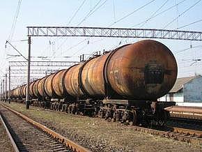 В Харькове в результате столкновения цистерн разлилась нефть
