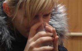 Мать, заморившая голодом ребенка, дала странное объяснение: появилось видео