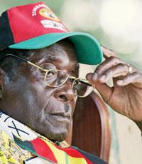 Королева Великобритании лишила президента Зимбабве звания рыцаря