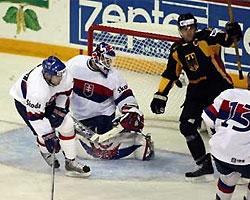 Хоккеисты сборной Германии обыграли словаков
