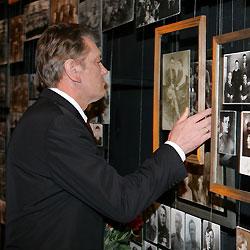 В Лондоне Ющенко открыл выставку, посвящённую 75-й годовщине Голодомора