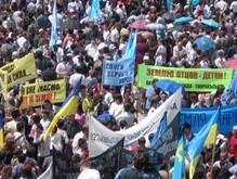 В Симферополе состоялся массовый митинг крымских татар