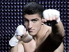 Боксер выиграл чемпионский бой со сломанной челюстью