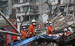 Число жертв землетрясения в Китае превысило 51 тыс. человек