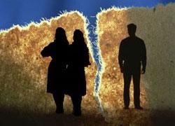 Бизнесмен одновременно развелся с двумя женами
