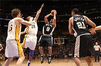 Чемпионы НБА разгромно проиграли