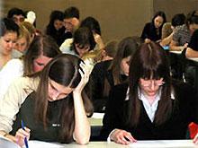Школьники уже написали внешнее тестирование