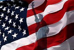 На праймериз в США лидируют Маккейн и Обама