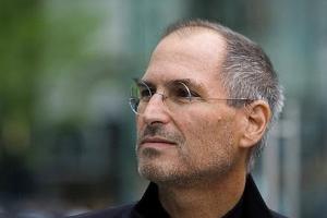 Стив Джобс решил переизбраться в совет директоров Disney