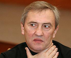 Прокуратура запретила Черновецкому делать медицину платной
