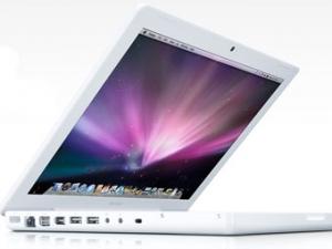 Apple обновила пластмассовый Macbook